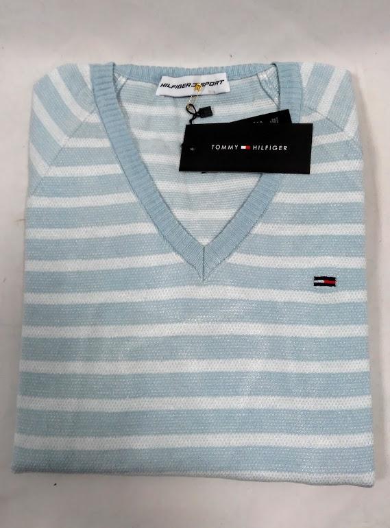 075f51cd50 Dámsky sveter s véčkovým výstrihom Tommy Hilfiger vhodný do práce aj na  bežné nosenie isto poteší každú ženu či dievča