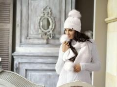 27c4c34ca339 Originálne dámske zimné čiapky s kožušinovým brmbolcom